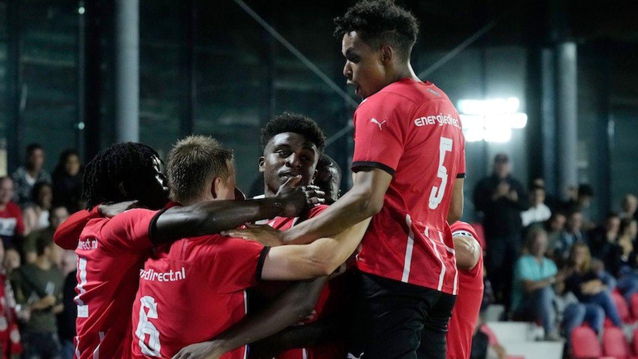 Jong PSV verslaat Jong Ajax na sterke tweede helft