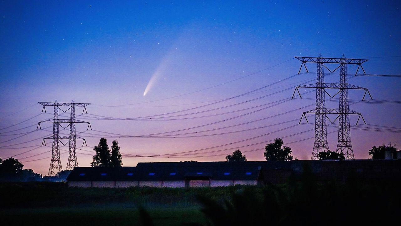Komeet Neowise vastgelegd boven Nuenen