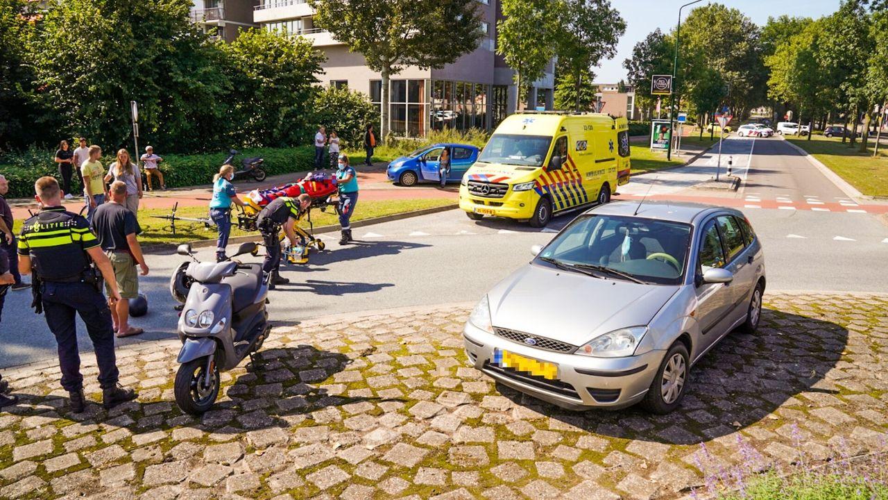 Brommer aangereden op rotonde in Geldrop