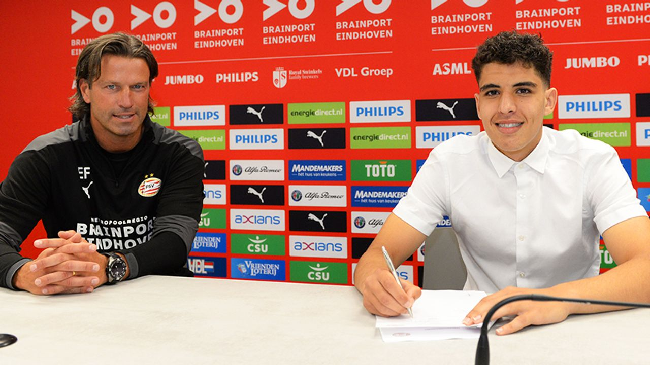 PSV lijft nog een jeugdspeler in