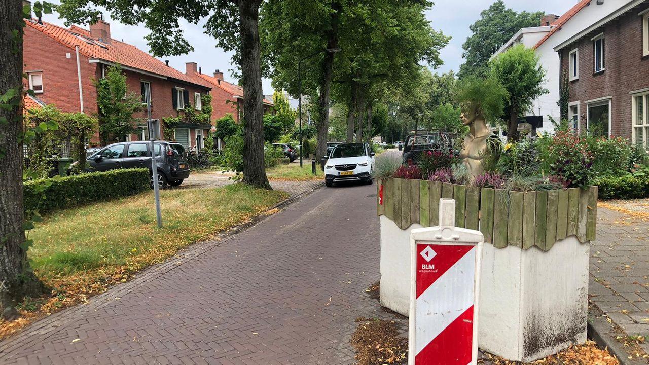 Bewoners van Burgemeester Uijenstraat Waalre zijn sluipverkeer spuugzat