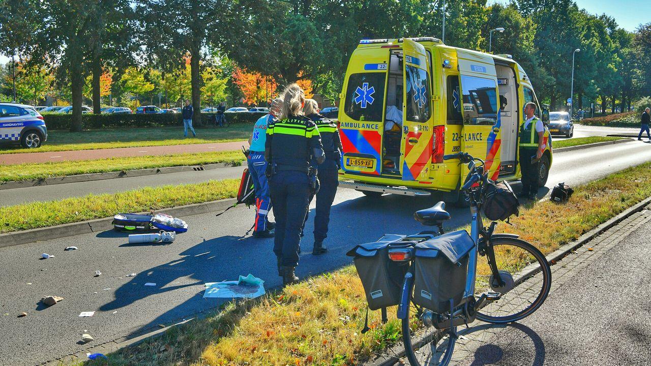 Man (82) zwaargewond na val van e-bike