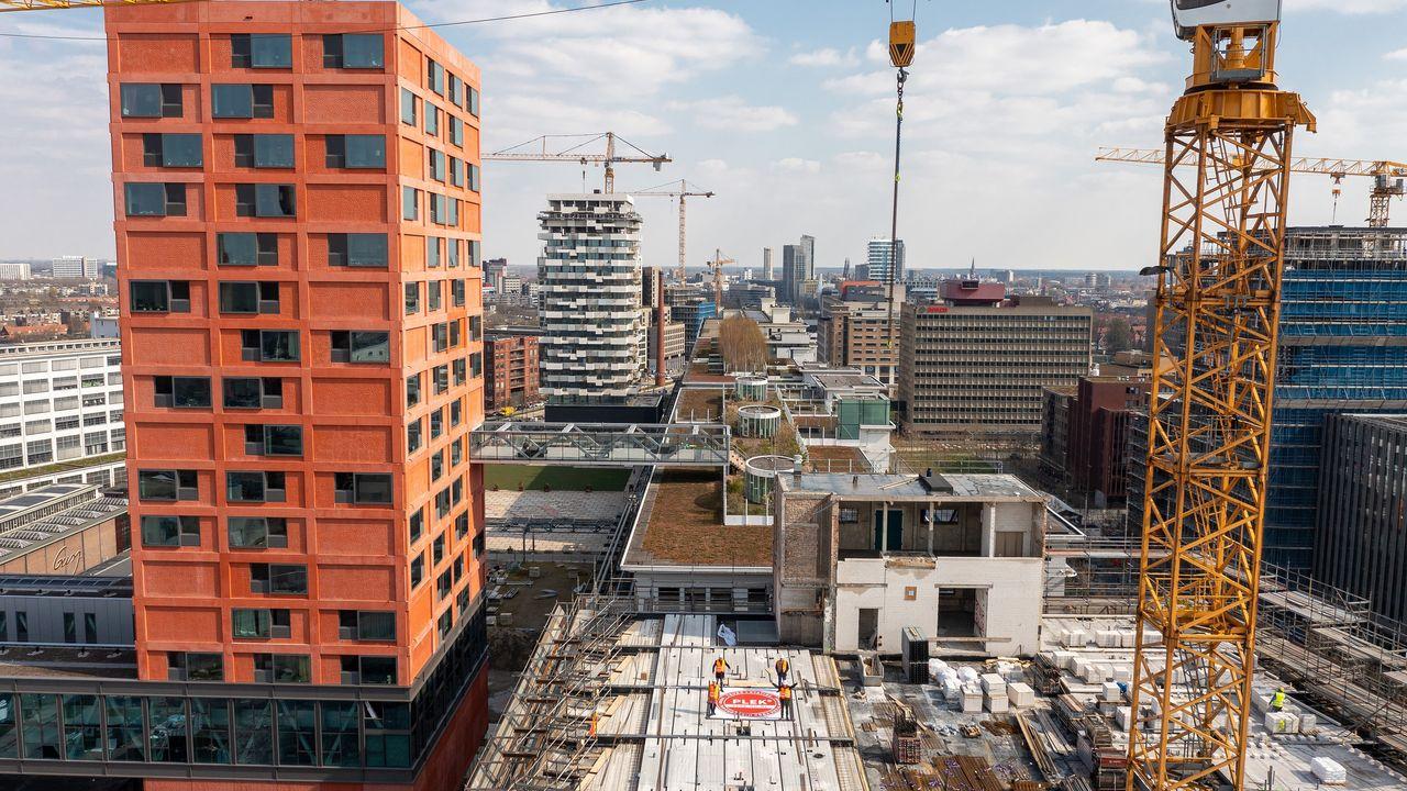 Uitbesteding afhandeling vergunningen kost Eindhoven miljoenen