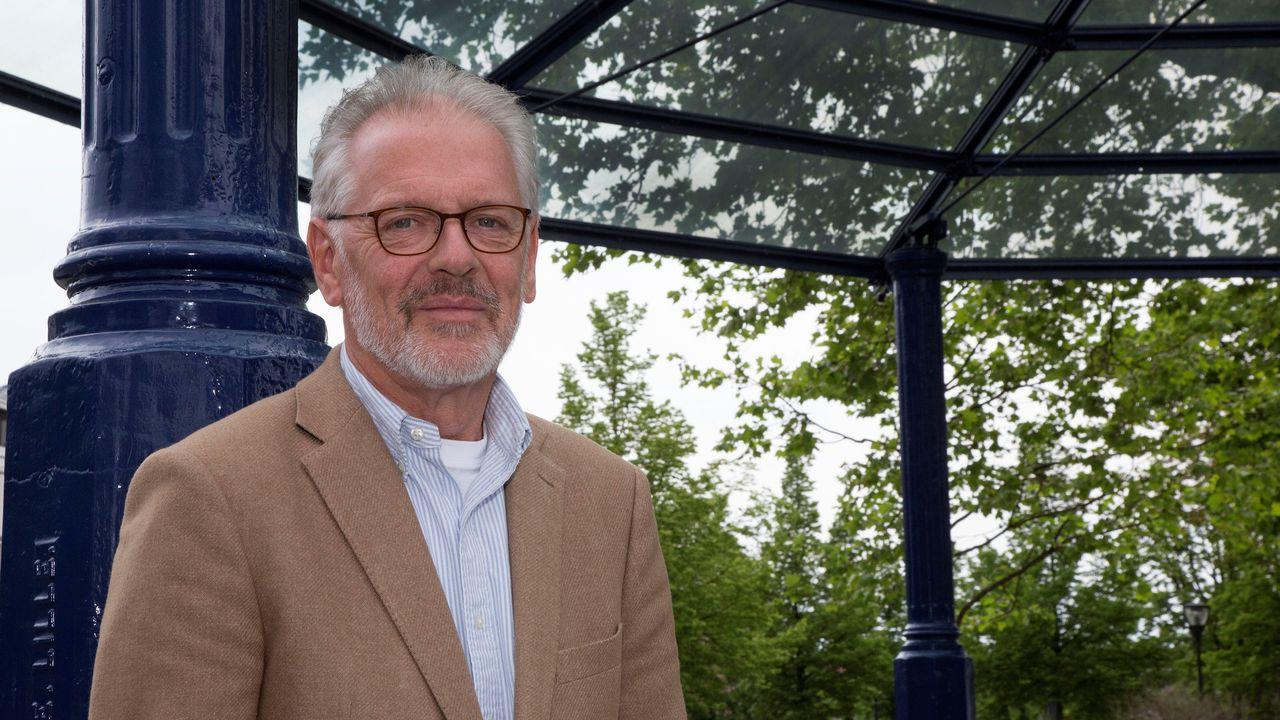 Burgemeester Hans Gaillard krijgt na achttien jaar nieuwe herbenoeming