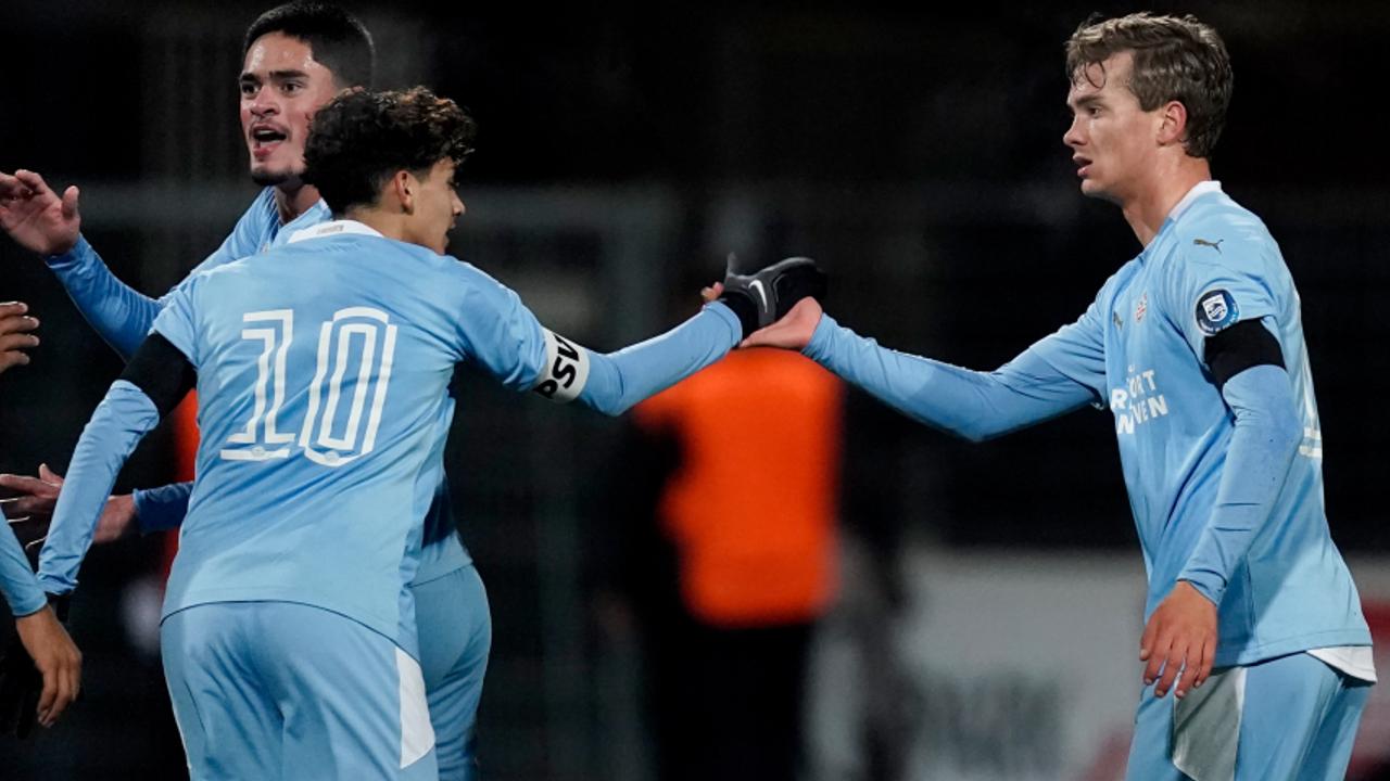 Comeback levert Jong PSV punt op