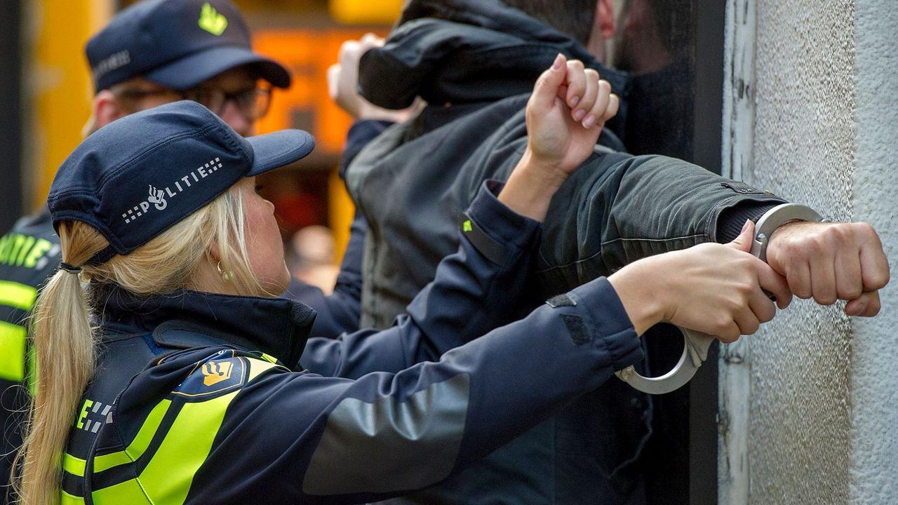 250 euro boete voor Geldroppenaar die agent schopt