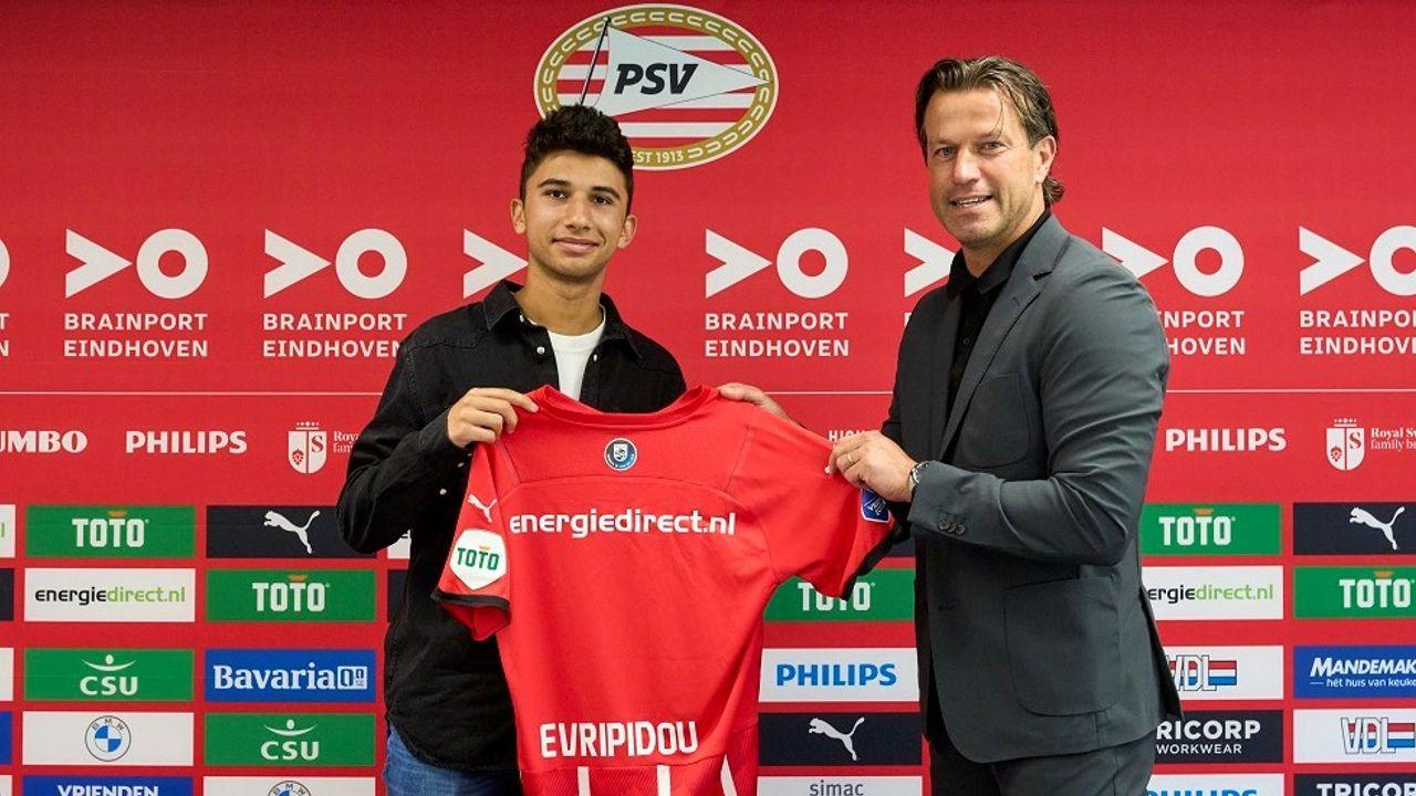 PSV legt twee talenten uit de jeugd vast