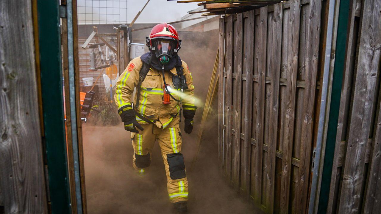 Veel rook bij schuurbrand Doornakkers-West
