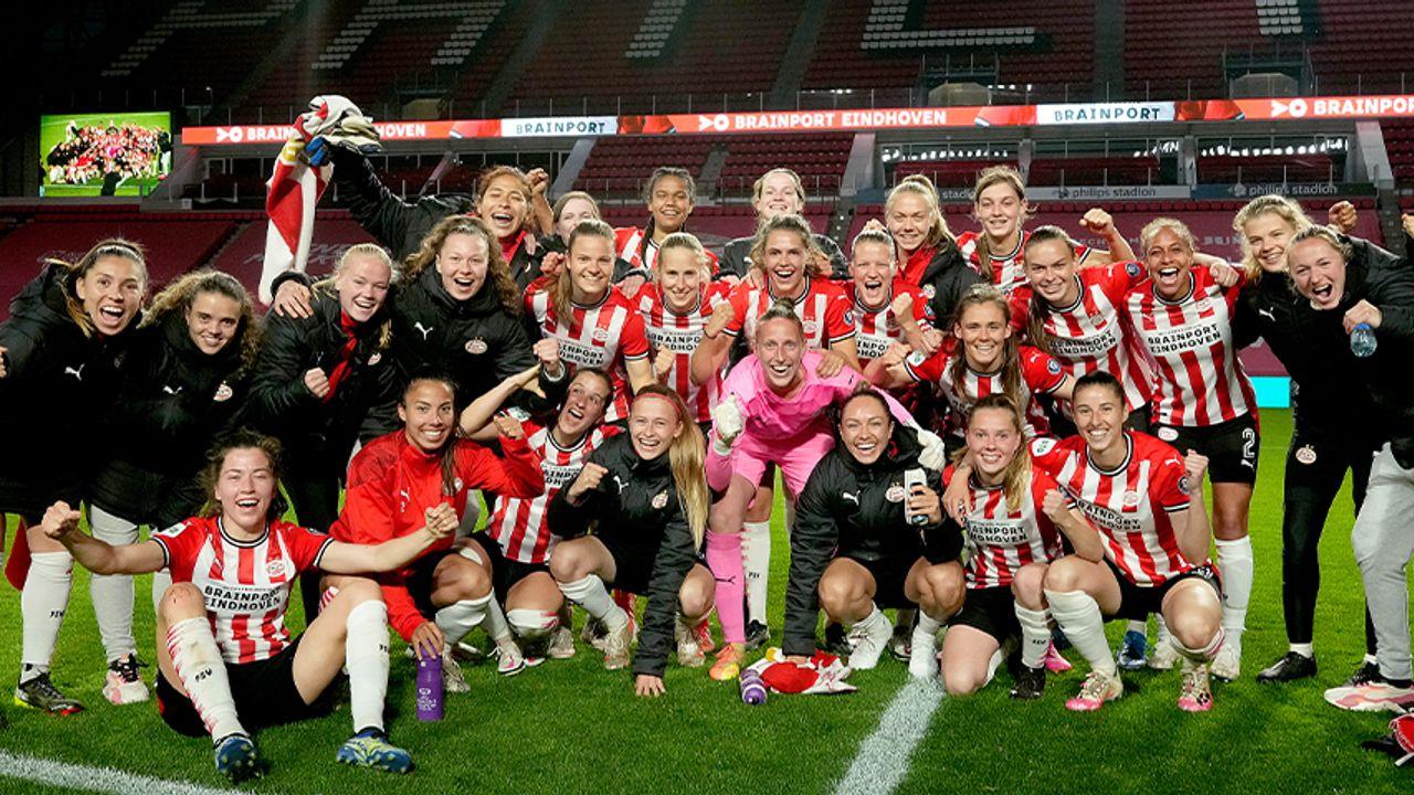 PSV Vrouwen beleeft droomdebuut in Philips Stadion