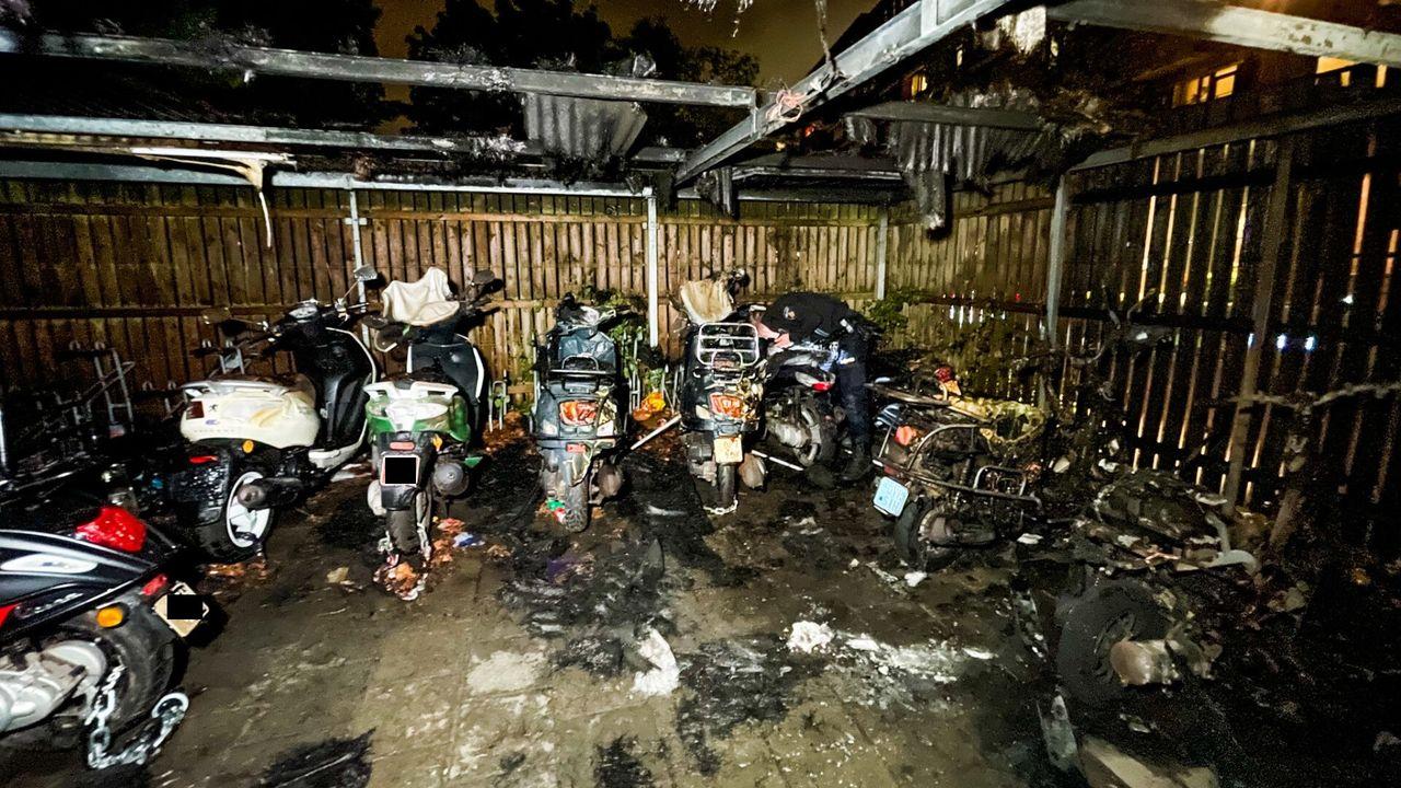 Meerdere scooters en brommers verwoest bij brand in fietsenstalling in Eindhoven