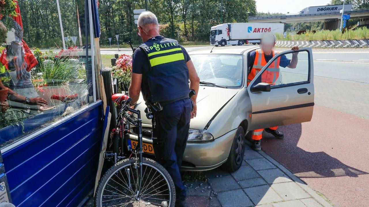 Pechweek voor hotel in Geldrop: na brand ramt auto gevel
