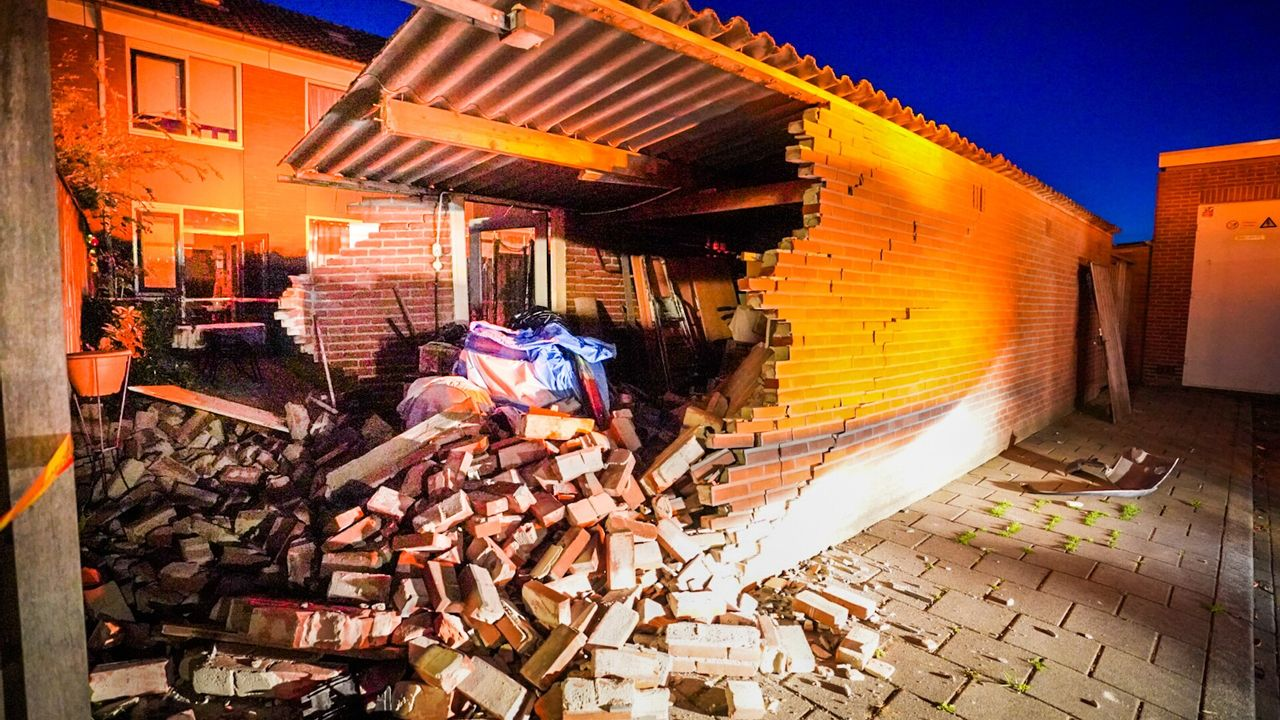 Autobestuurder rijdt schuur kapot in Woensel-Noord: 'Rem werkte niet'