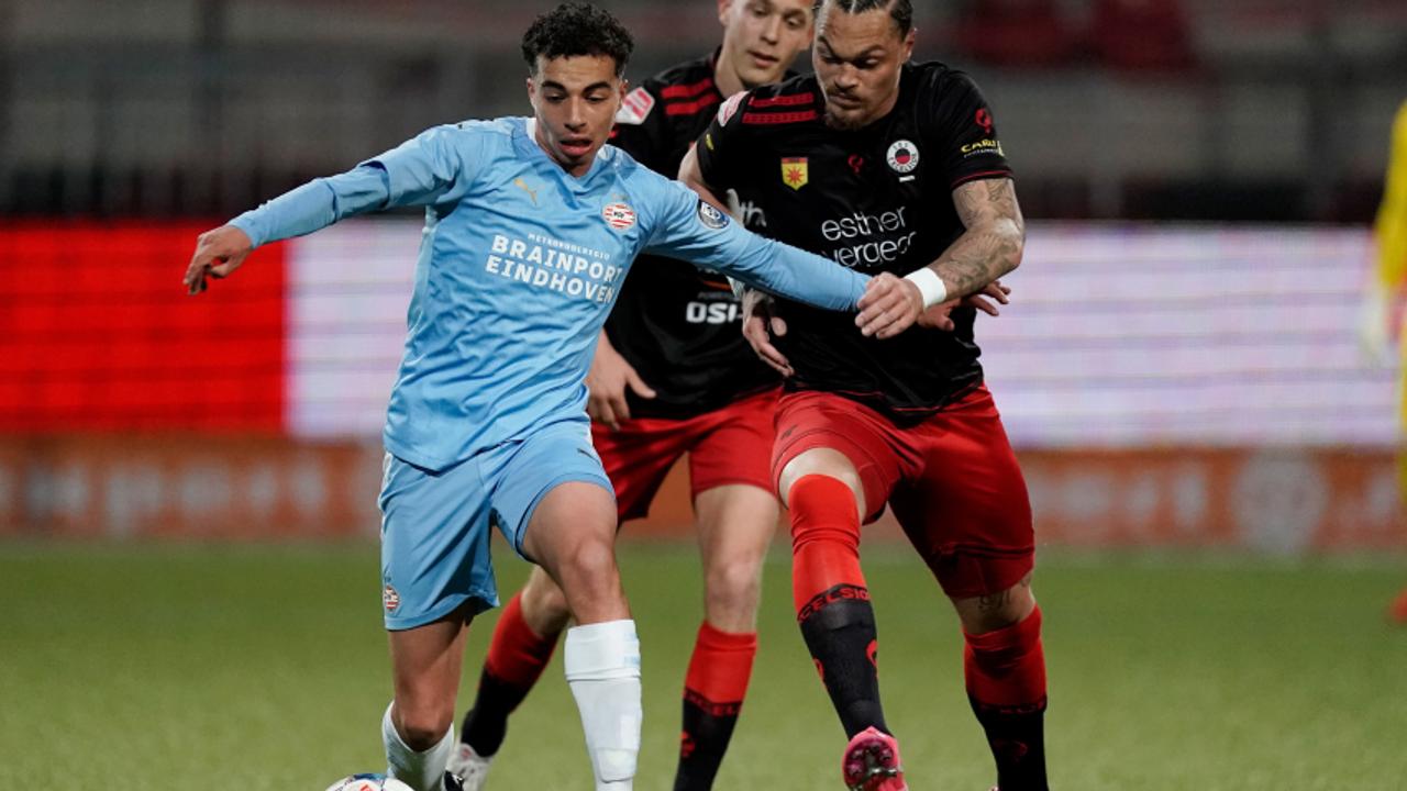 Geen goals bij Jong PSV tegen Excelsior, zware blessure Kreekels