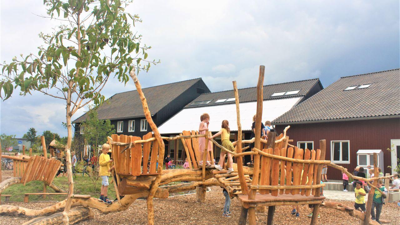 Nieuwe basisschool in Nuenen opent deuren tijdens eerste schooldag