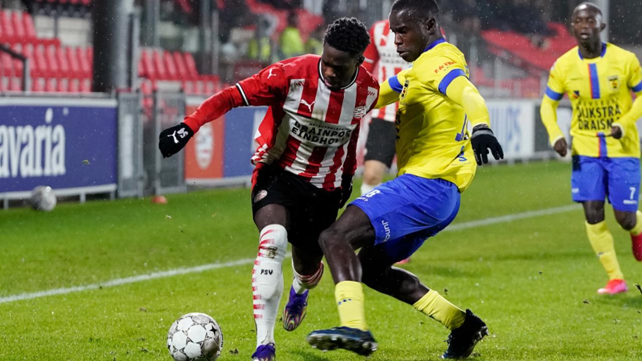 Jong PSV verslikt zich in effectief Cambuur