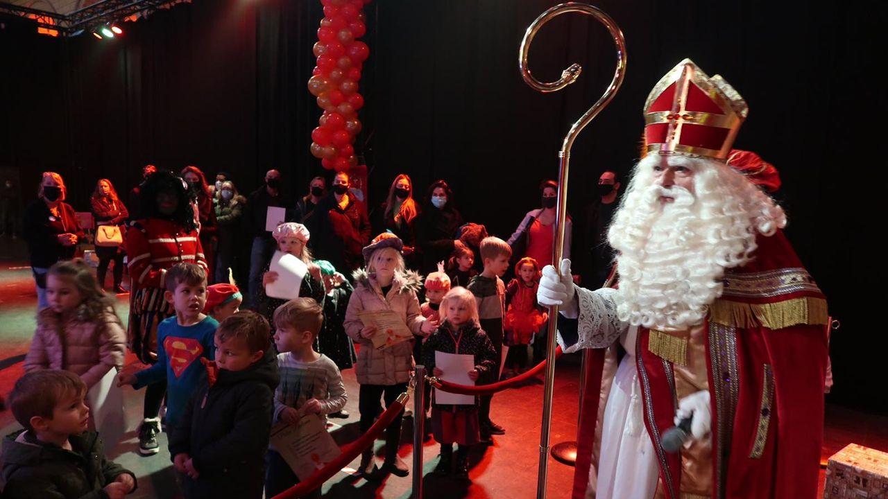 Coronaproof Sinterklaashuis in Eindhovense Steentjeskerk geopend