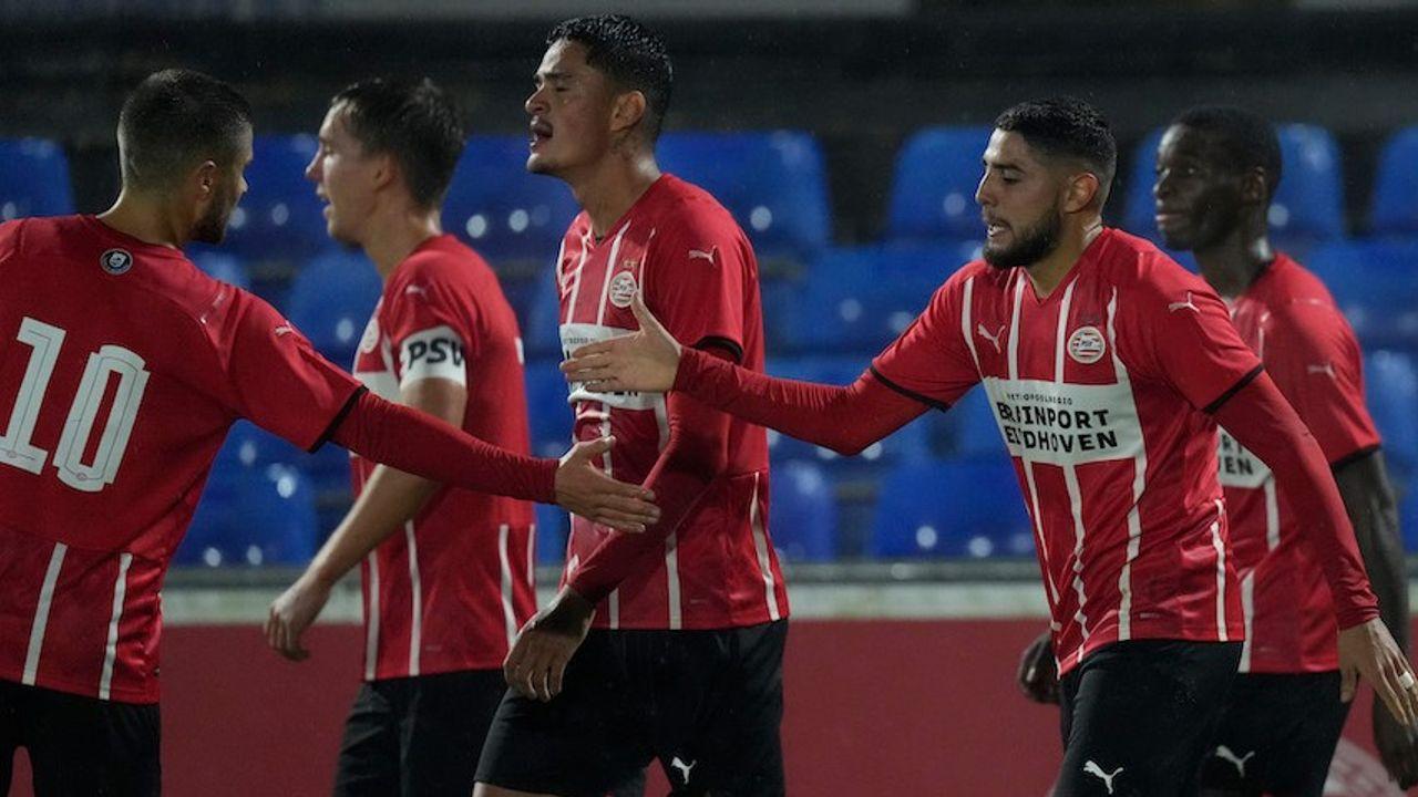 Jong PSV verslaat VVV-Venlo mede dankzij goal Maxi Romero