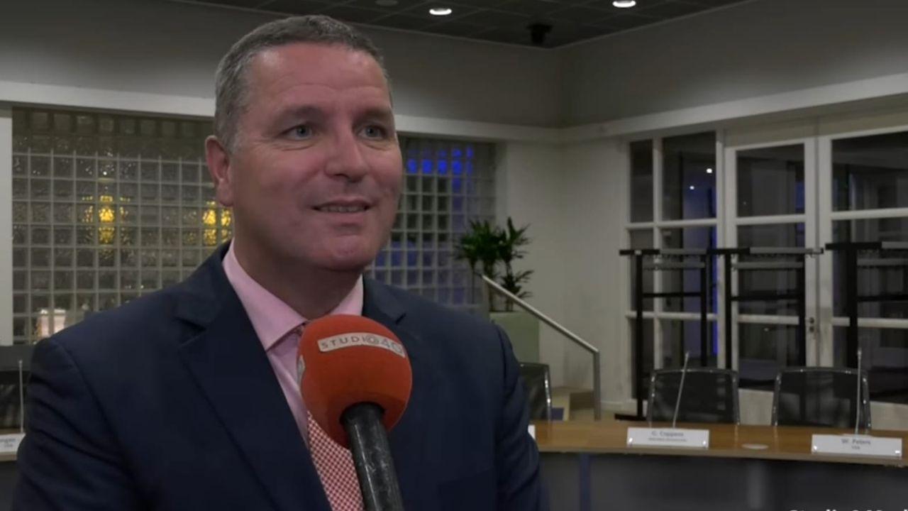 Burgemeester Veldhoven test positief op corona