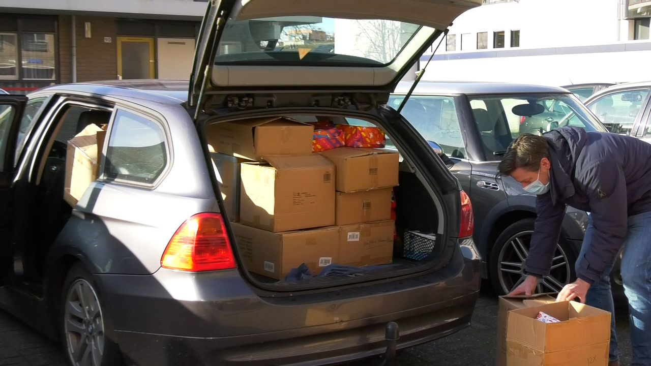 Honderden cadeautjes voor de Voedselbank