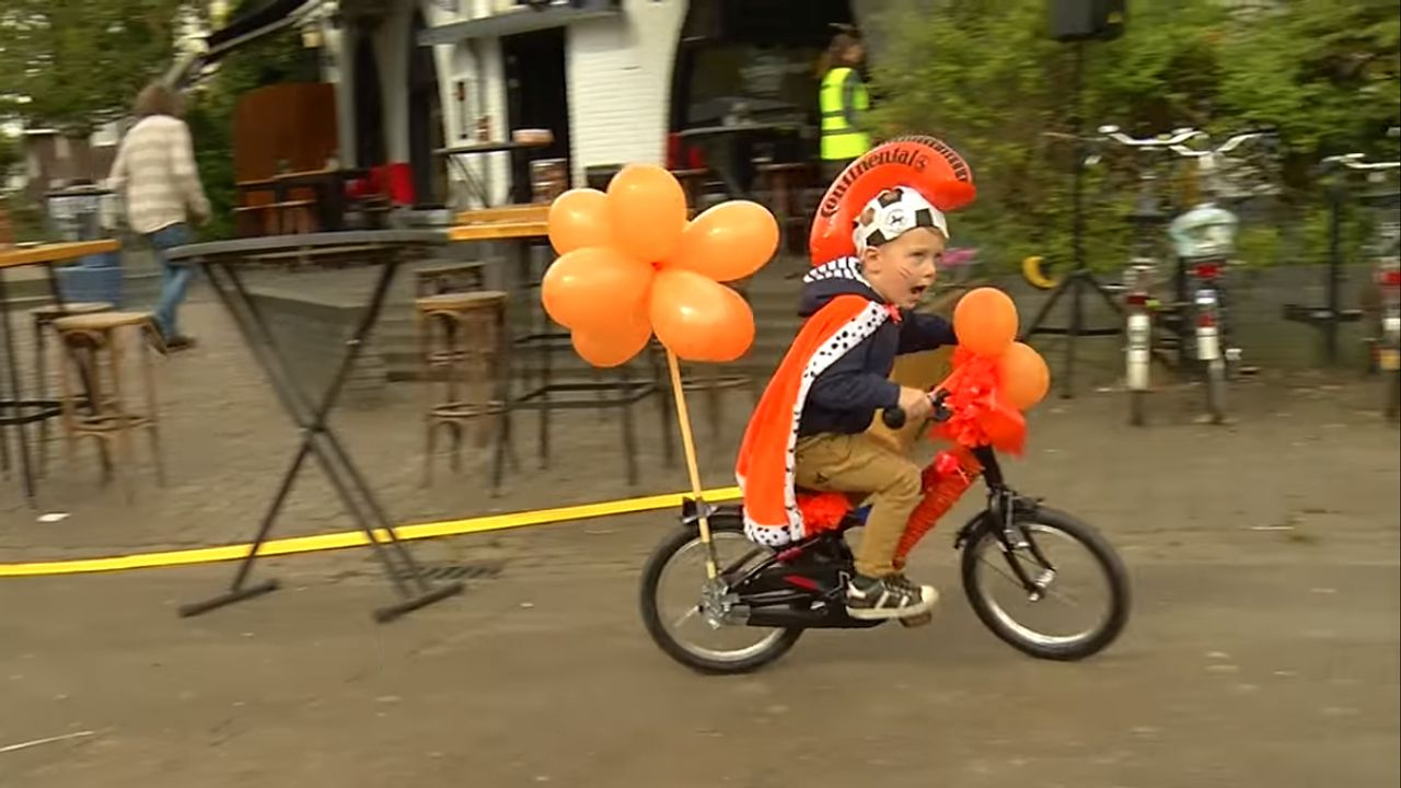 Koningsdag in Son: Versierde fietsen op TikTok