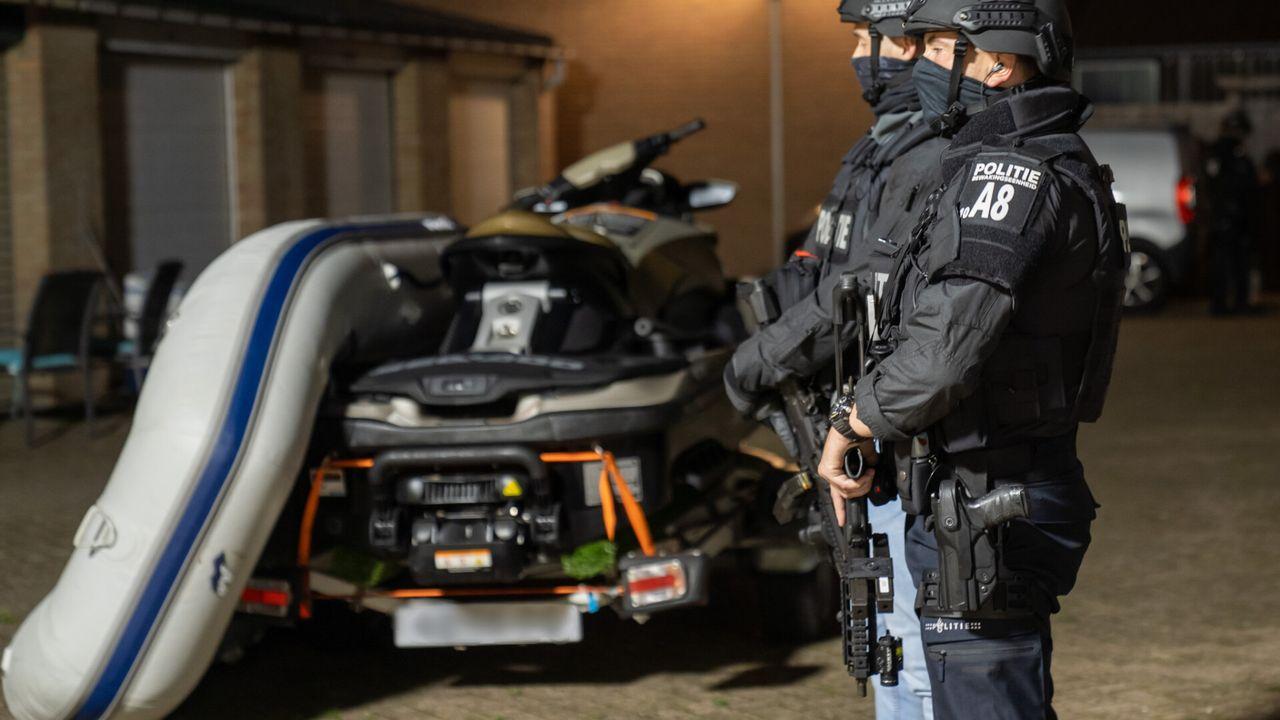 Politie doet inval in garage Italiëlaan