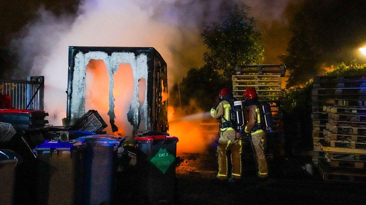 Foodtruck gaat in vlammen op in Eindhoven, mogelijk brandstichting