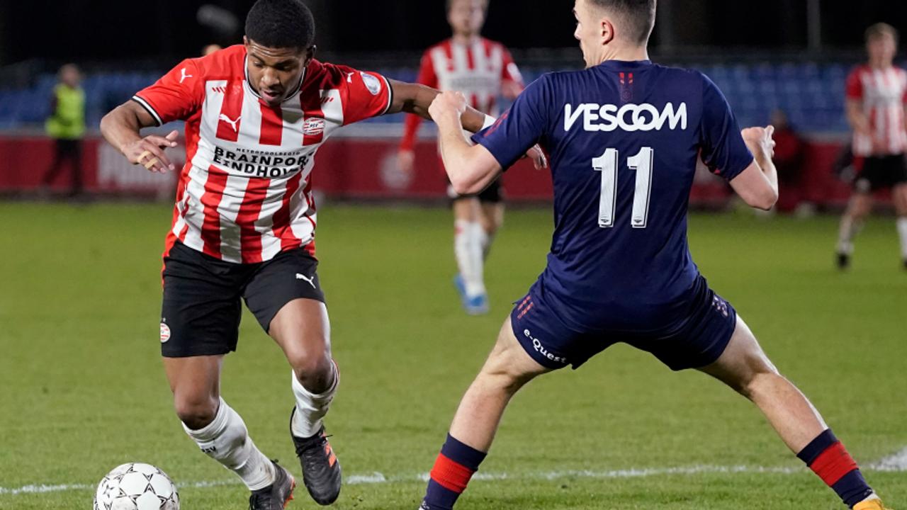Jong PSV speelt gelijk tegen Helmond