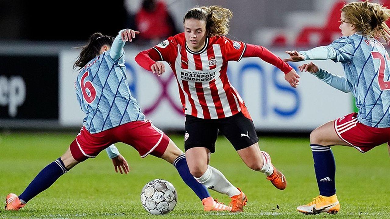 PSV Vrouwen verliezen van Ajax na strafschoppen