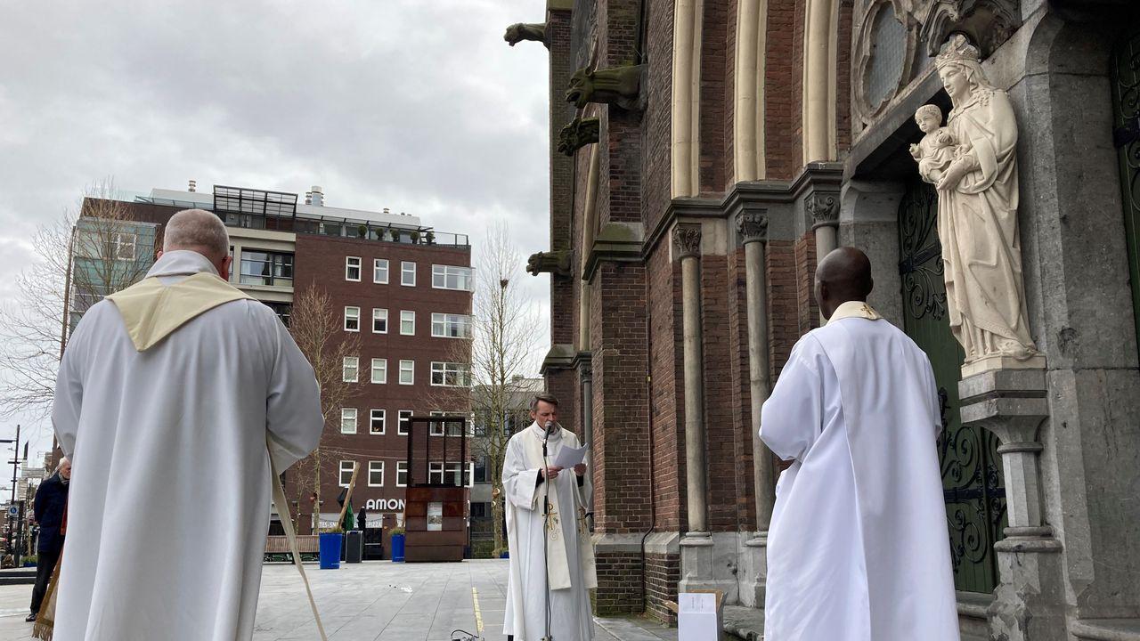 Eindhoven gezegend: 'We kunnen de hulp van God nu zeker gebruiken'