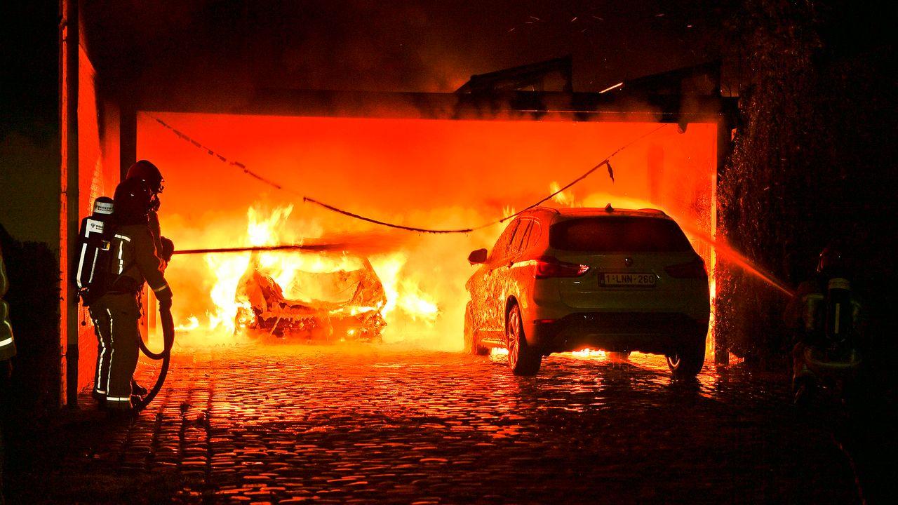 Politie zoekt getuigen autobrand Valkenswaard