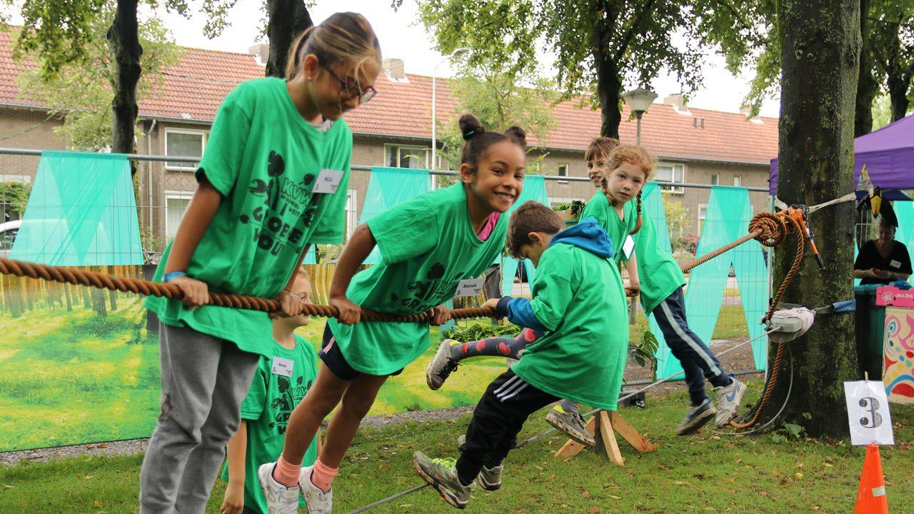 Waterpret, klimmen en knutselen tijden kindervakantieweek Woensel West