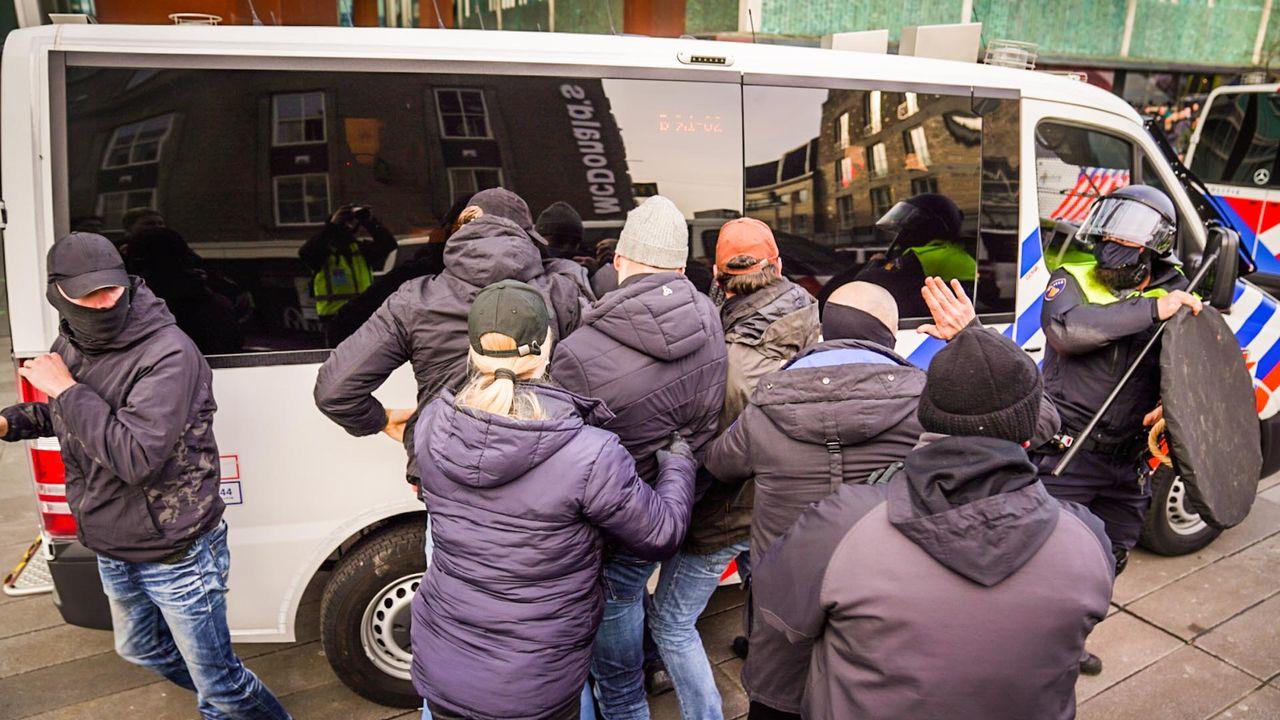 Vanuit heel het land kwamen relschoppers naar Eindhoven toe