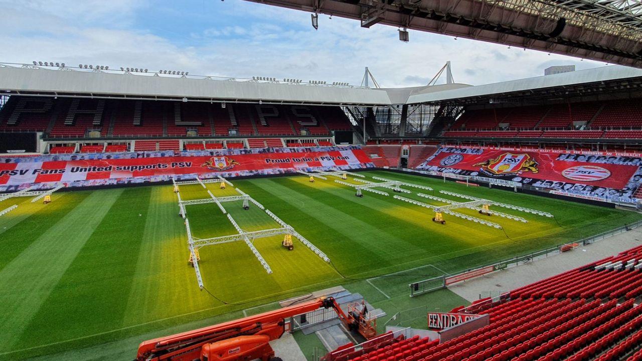 PSV Fans United fleurt stadion op