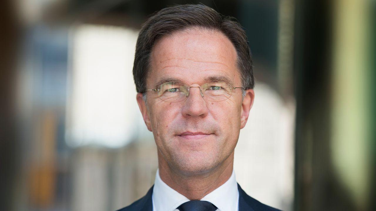 Premier feliciteert 100-jarig Veldhoven