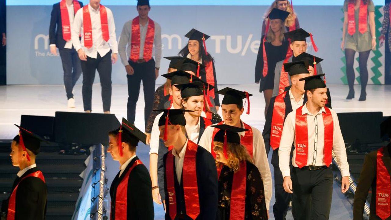 60 jaar TU/e-diploma's: van zakelijk 'vluggertje' tot gelikte show