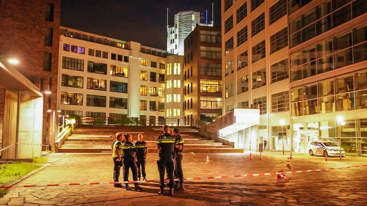 Politie schoot terecht op man met mes bij Witte Dame