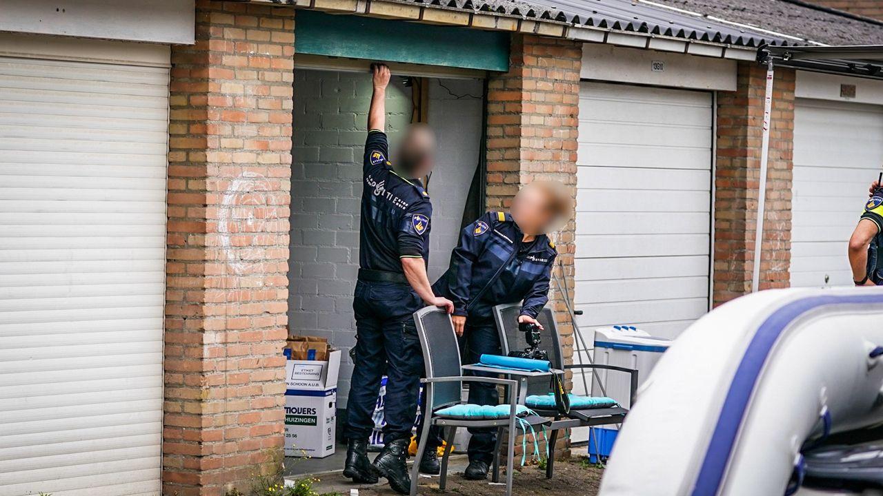 Politie vindt grote hoeveelheid wapens in garagebox