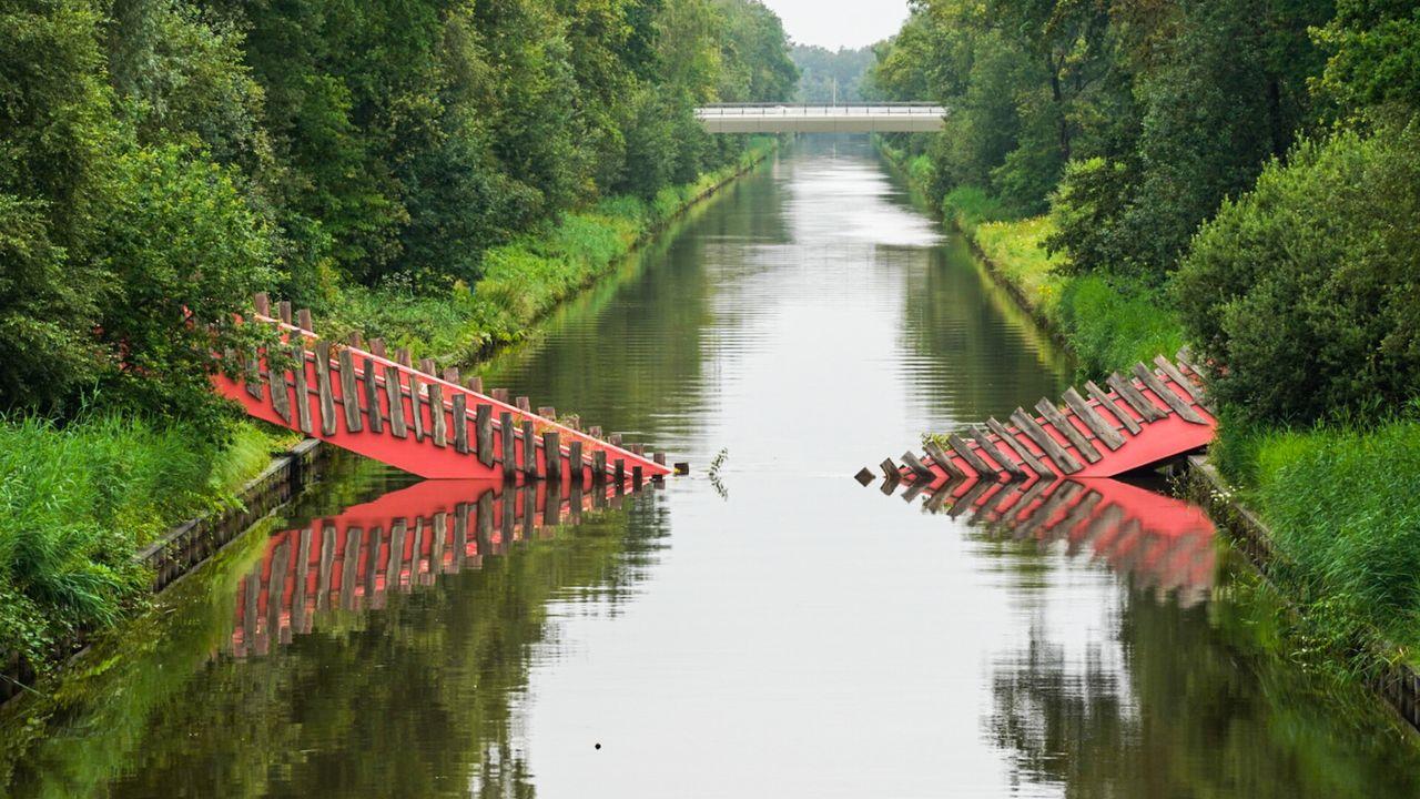 Gemeente stelt aannemer aansprakelijk voor instorten wildbrug