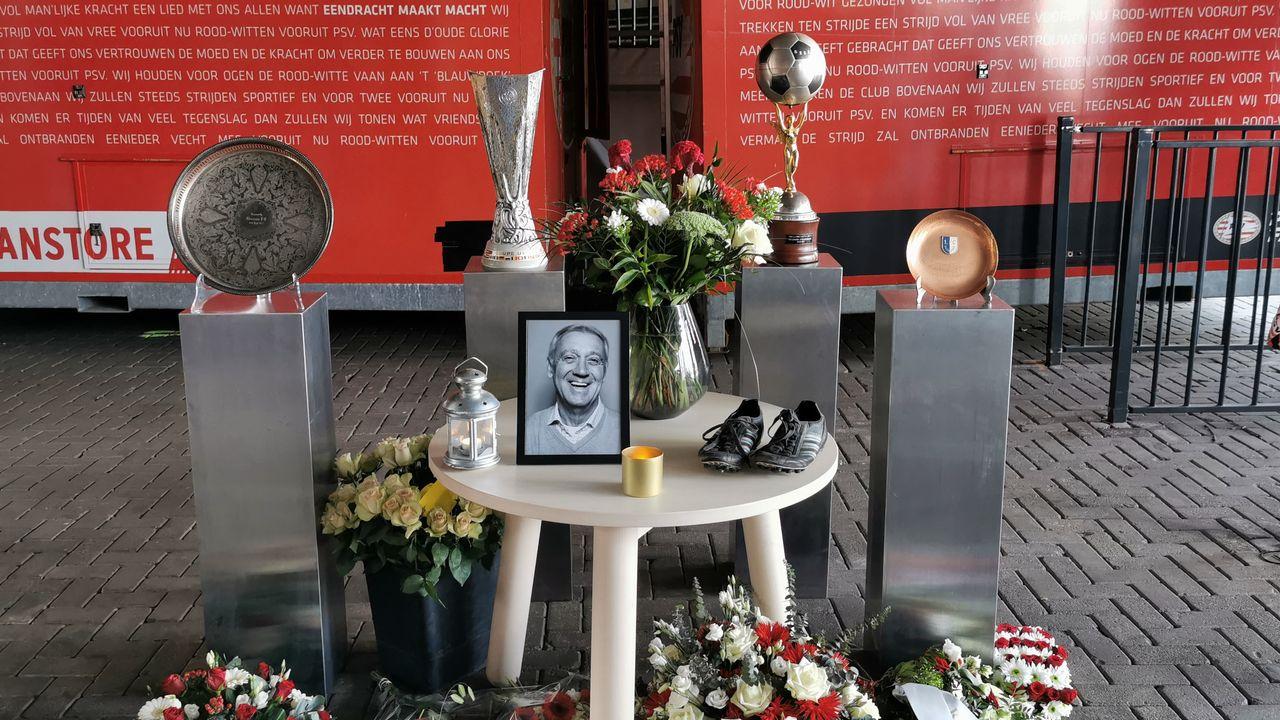 PSV-fans kunnen in stadion laatste eer bewijzen aan Van der Kuijlen