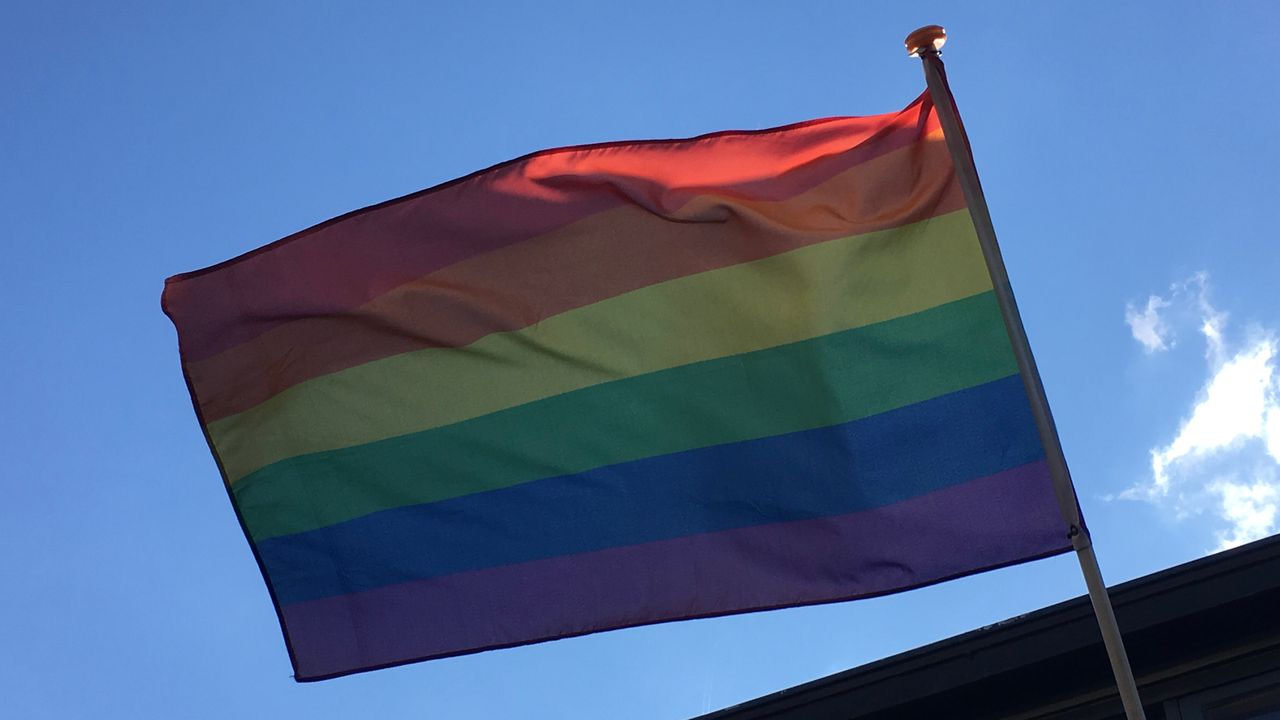 Onenigheid in gemeentebestuur Geldrop-Mierlo over regenboogvlag