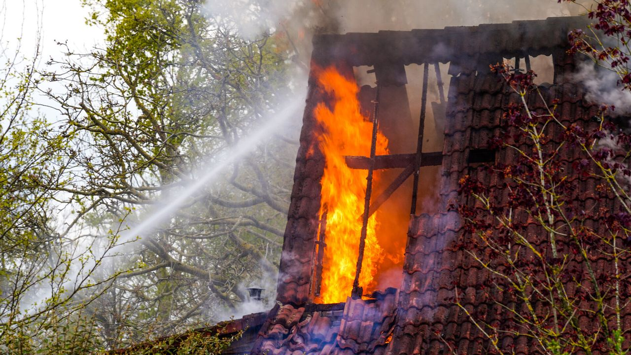 Brandweer rukt uit voor schuurbrand