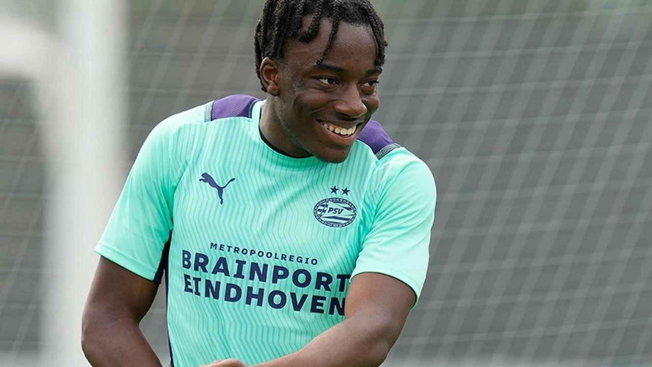 PSV wint eerste oefenwedstrijd met ruime cijfers