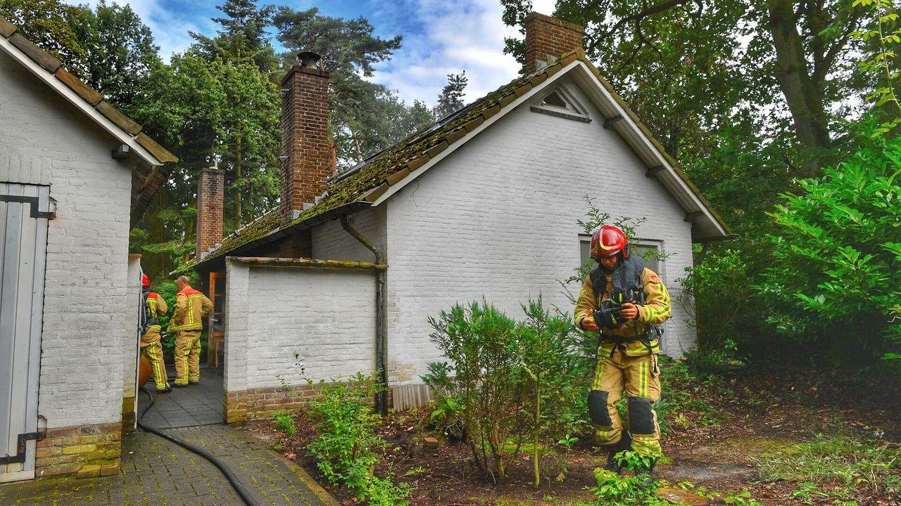 Bewoonster vlucht na keukenbrand
