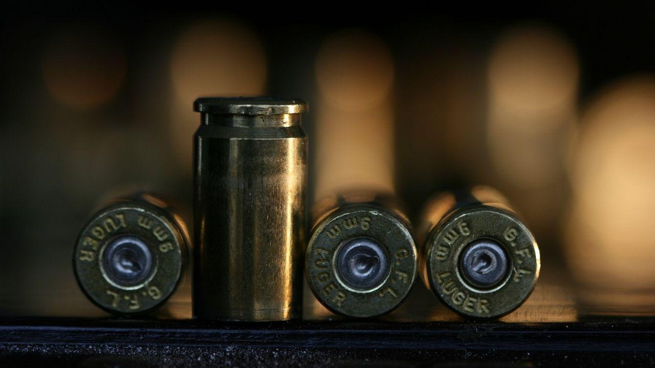 Politie zoekt schutters op twee shishalounges