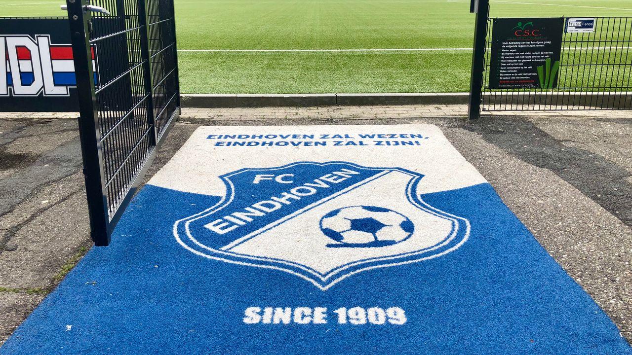 Seedorf vertrekt bij FC Eindhoven