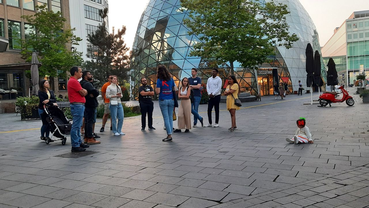"""Expats maken weer kennis met stad: """"Ze moeten zich hier thuis gaan voelen"""""""