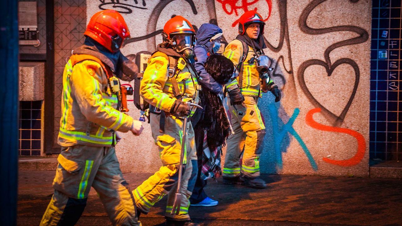 Dakloze uit brandend kantoor gehaald aan Stadhuisplein
