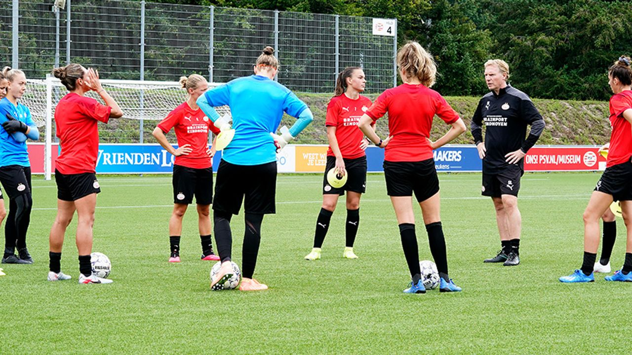 Het l-woord is nog taboe voor de vrouwen van PSV