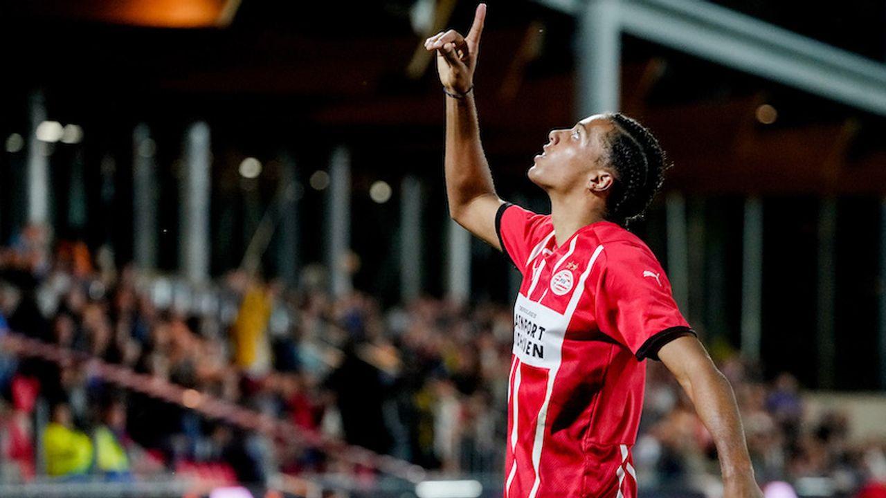 Jong PSV sleept zege binnen in Lichtstadderby