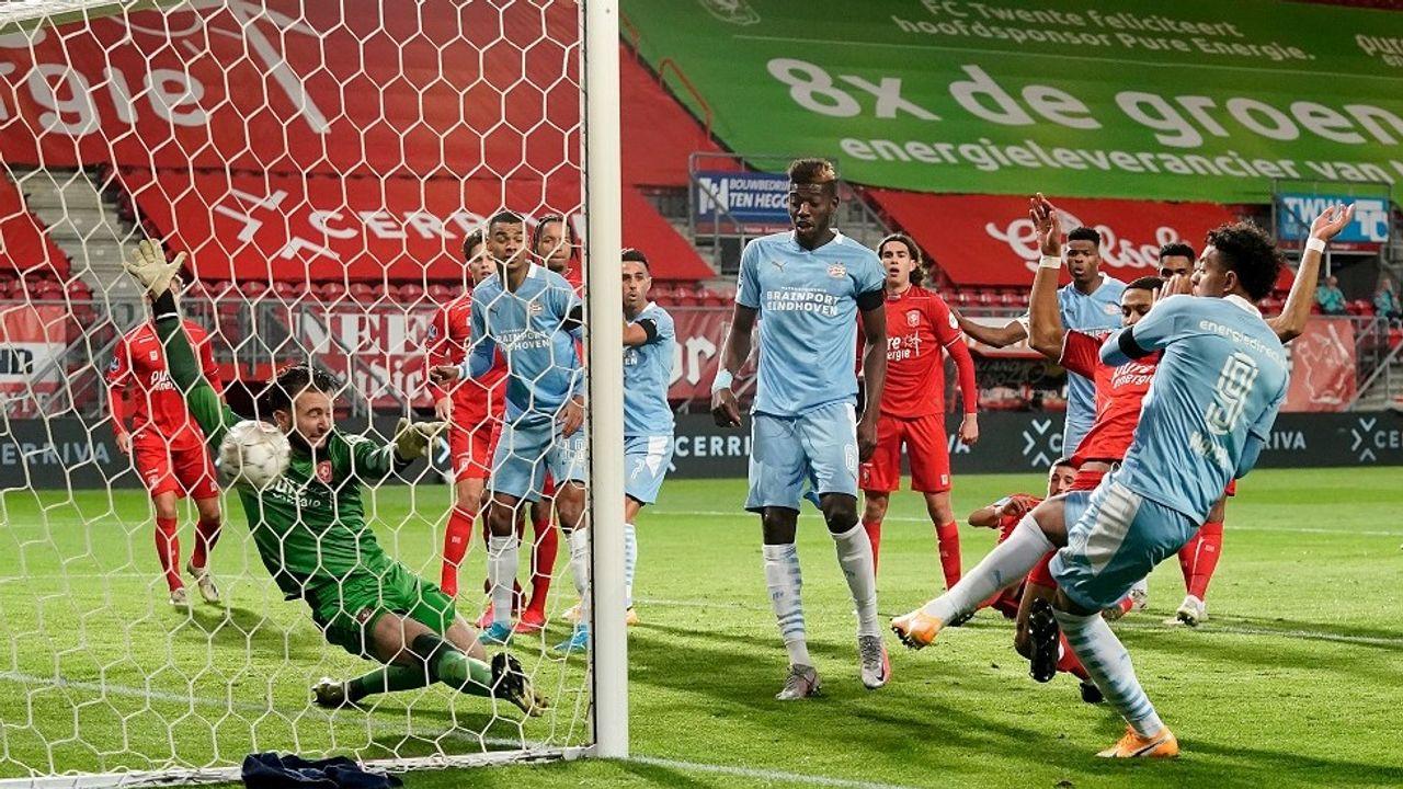 PSV verspeelt punten bij Twente